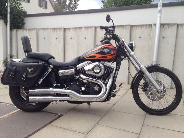 Motorrad kaufen HARLEY-DAVIDSON FXDWG 1584 Dyna Wide Glide mit Kess Occasion