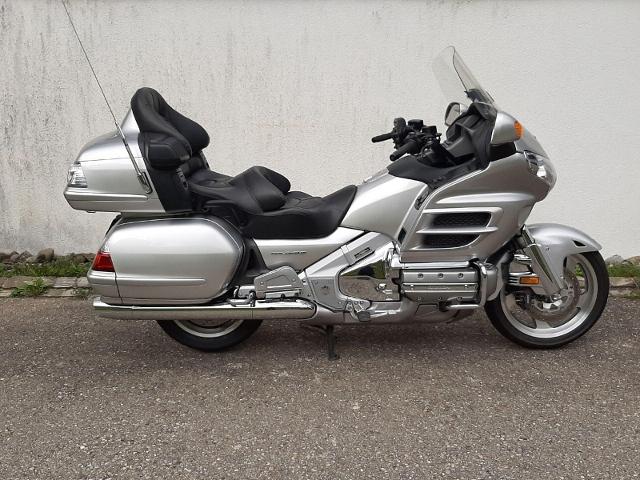 Motorrad kaufen HONDA GL 1800 Gold Wing A ABS  AIRBAG, NAVI Occasion