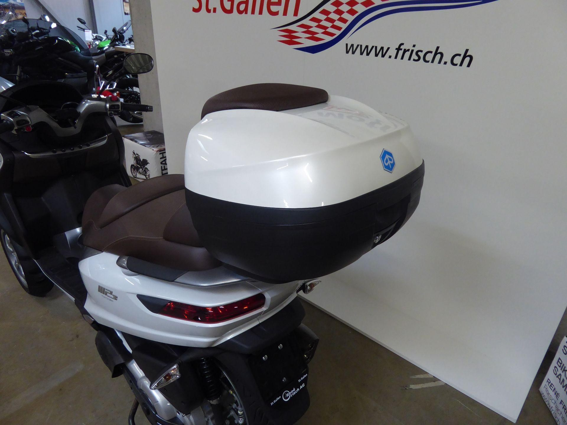 motorrad occasion kaufen piaggio mp3 500 lt abs ren frisch ag st gallen. Black Bedroom Furniture Sets. Home Design Ideas