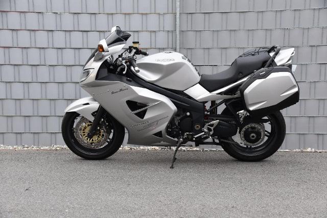 Acheter une moto TRIUMPH Sprint 1050 ST Occasions