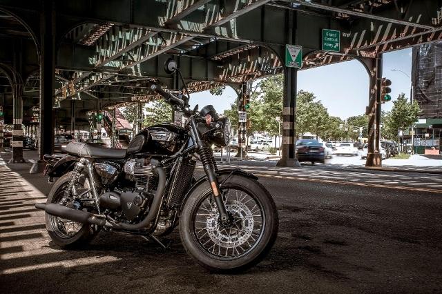 Acheter une moto TRIUMPH Bonneville T100 900 ABS T100 Black Spezialumbau neuve