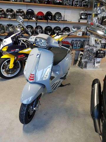Motorrad kaufen PIAGGIO Vespa Sprint 125 ABS iGet Neufahrzeug