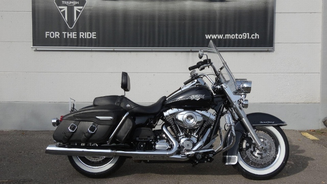 Motorrad kaufen HARLEY-DAVIDSON FLHRC 1690 Road King Classic ABS Occasion