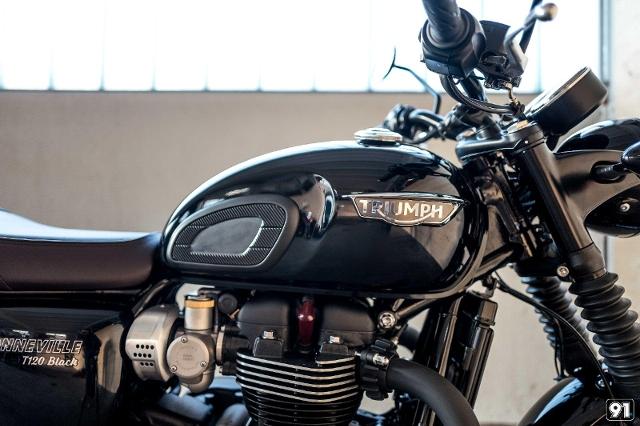 Motorrad kaufen TRIUMPH Bonneville T120 1200 ABS Black Neufahrzeug