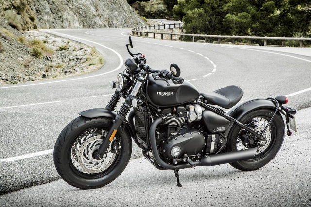 Motorrad kaufen TRIUMPH Bonneville 1200 Bobber Black Neufahrzeug