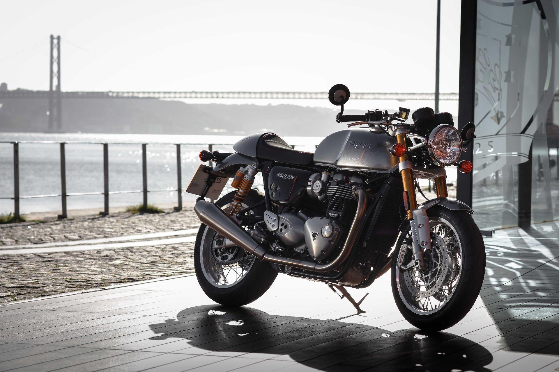 motorrad neufahrzeug kaufen triumph thruxton 1200 r abs moto 91 ag h ri. Black Bedroom Furniture Sets. Home Design Ideas