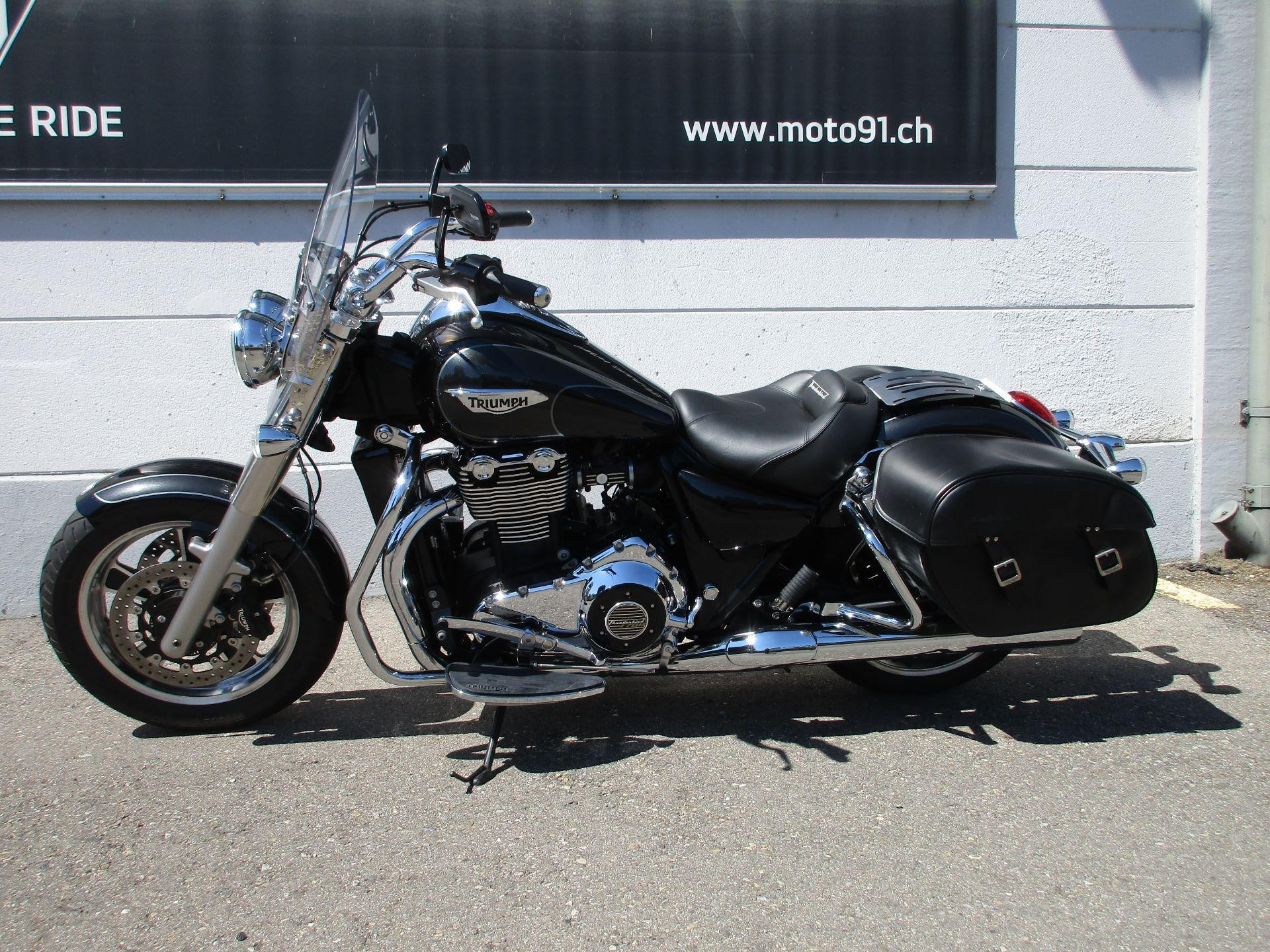 motorrad occasion kaufen triumph thunderbird 1700 abs commander moto 91 ag h ri. Black Bedroom Furniture Sets. Home Design Ideas