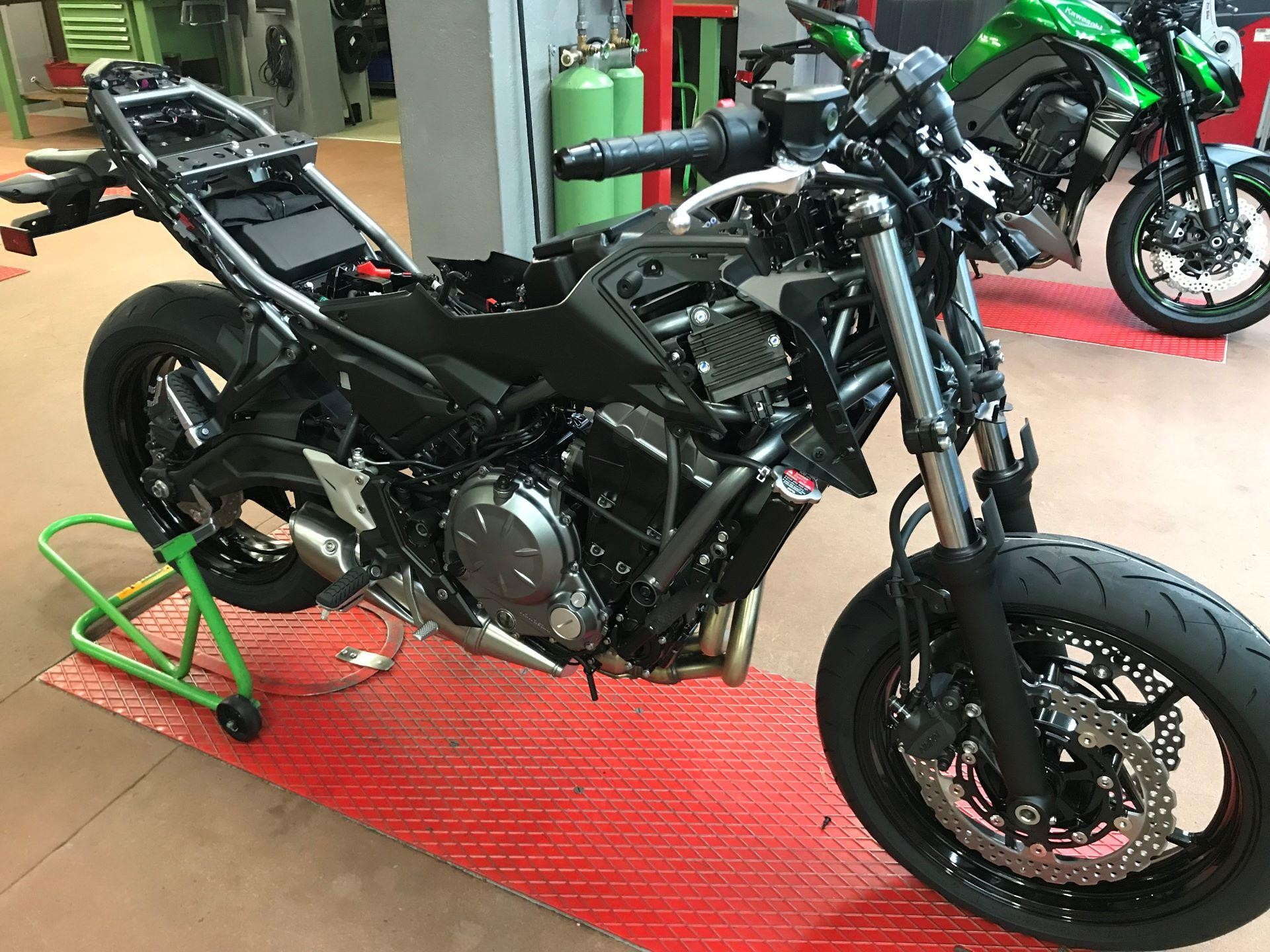 Buy Motorbike KAWASAKI Z 650