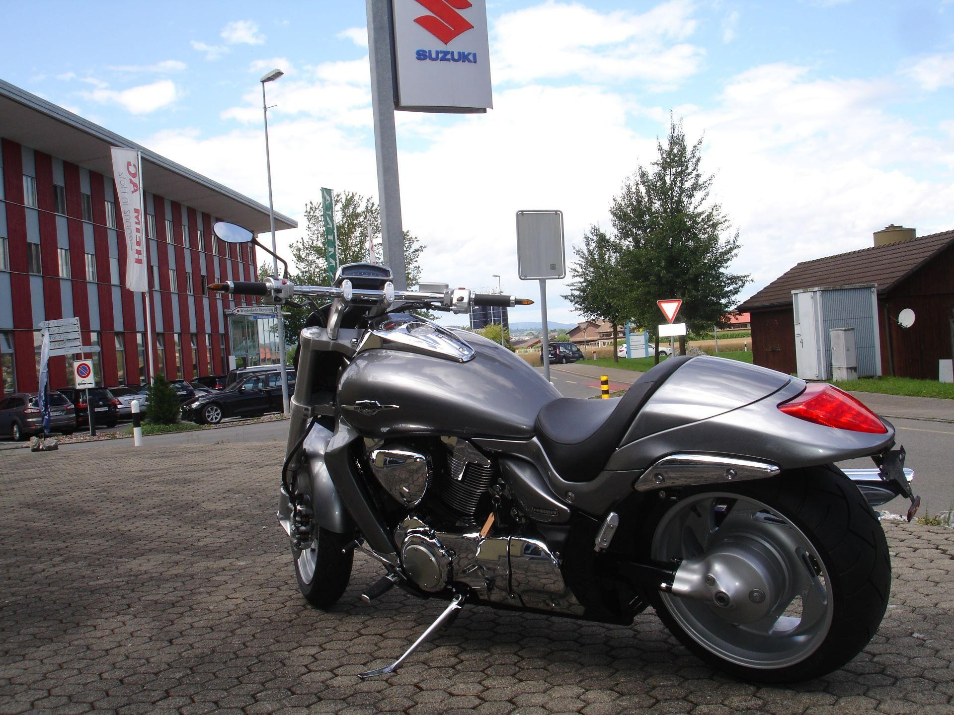 motorrad occasion kaufen suzuki m 1800 r intruder moto. Black Bedroom Furniture Sets. Home Design Ideas