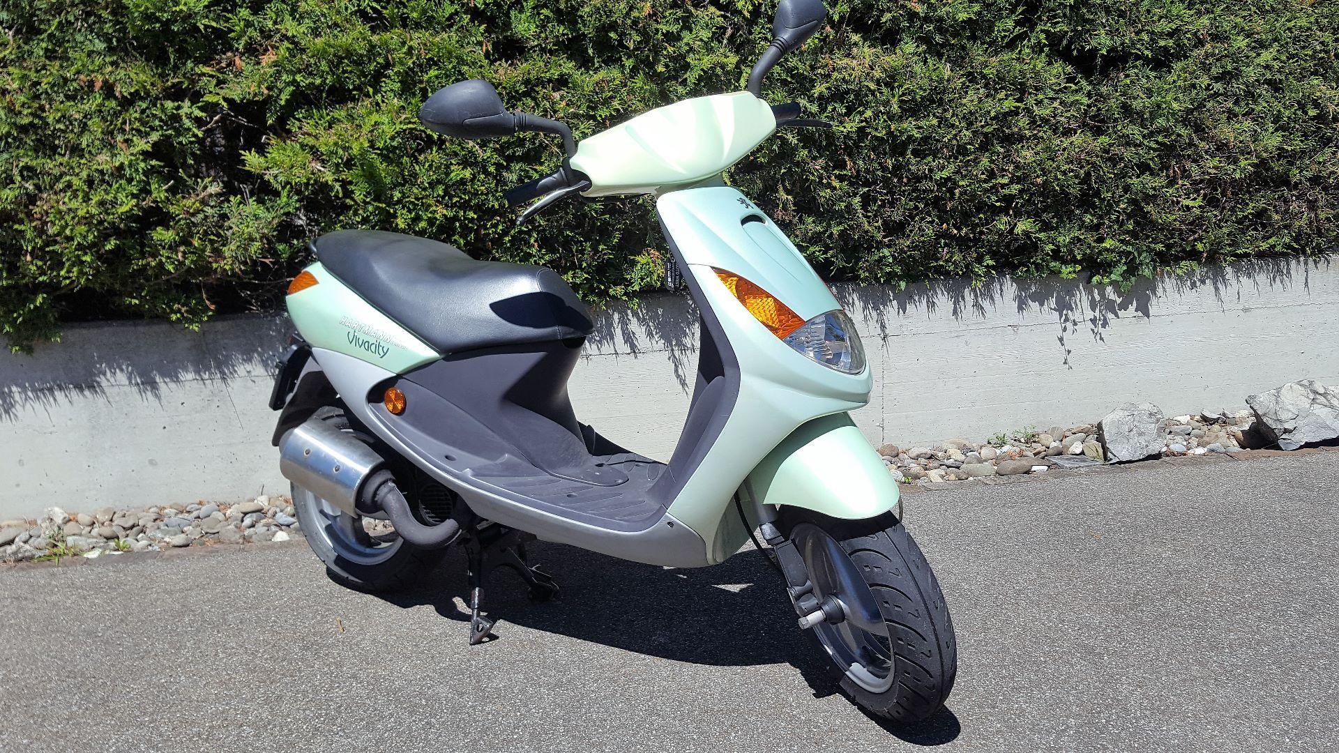 motorrad occasion kaufen peugeot vivacity 50 moto west. Black Bedroom Furniture Sets. Home Design Ideas