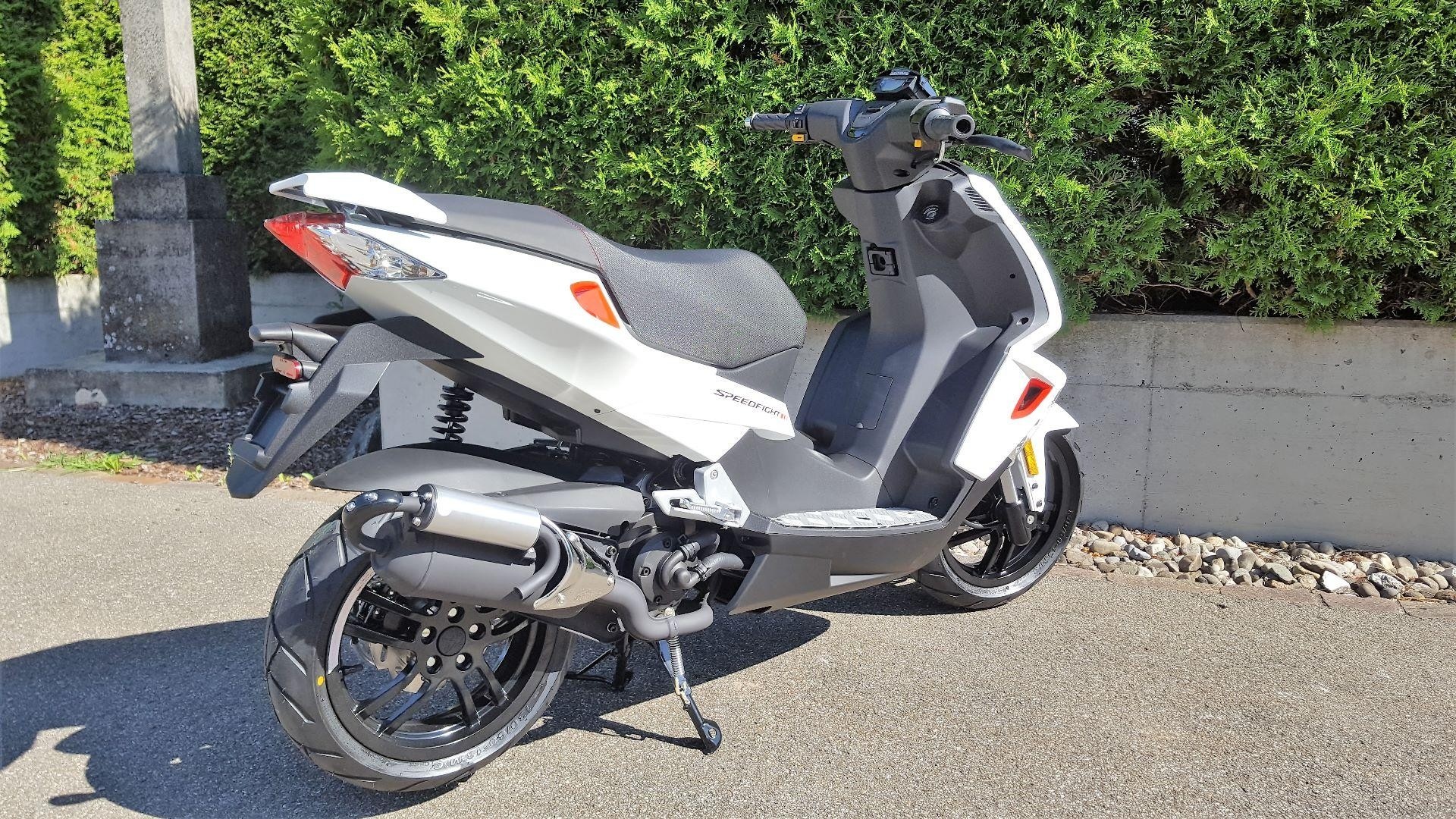 moto neuve acheter peugeot speedfight 4 50 il moto west. Black Bedroom Furniture Sets. Home Design Ideas