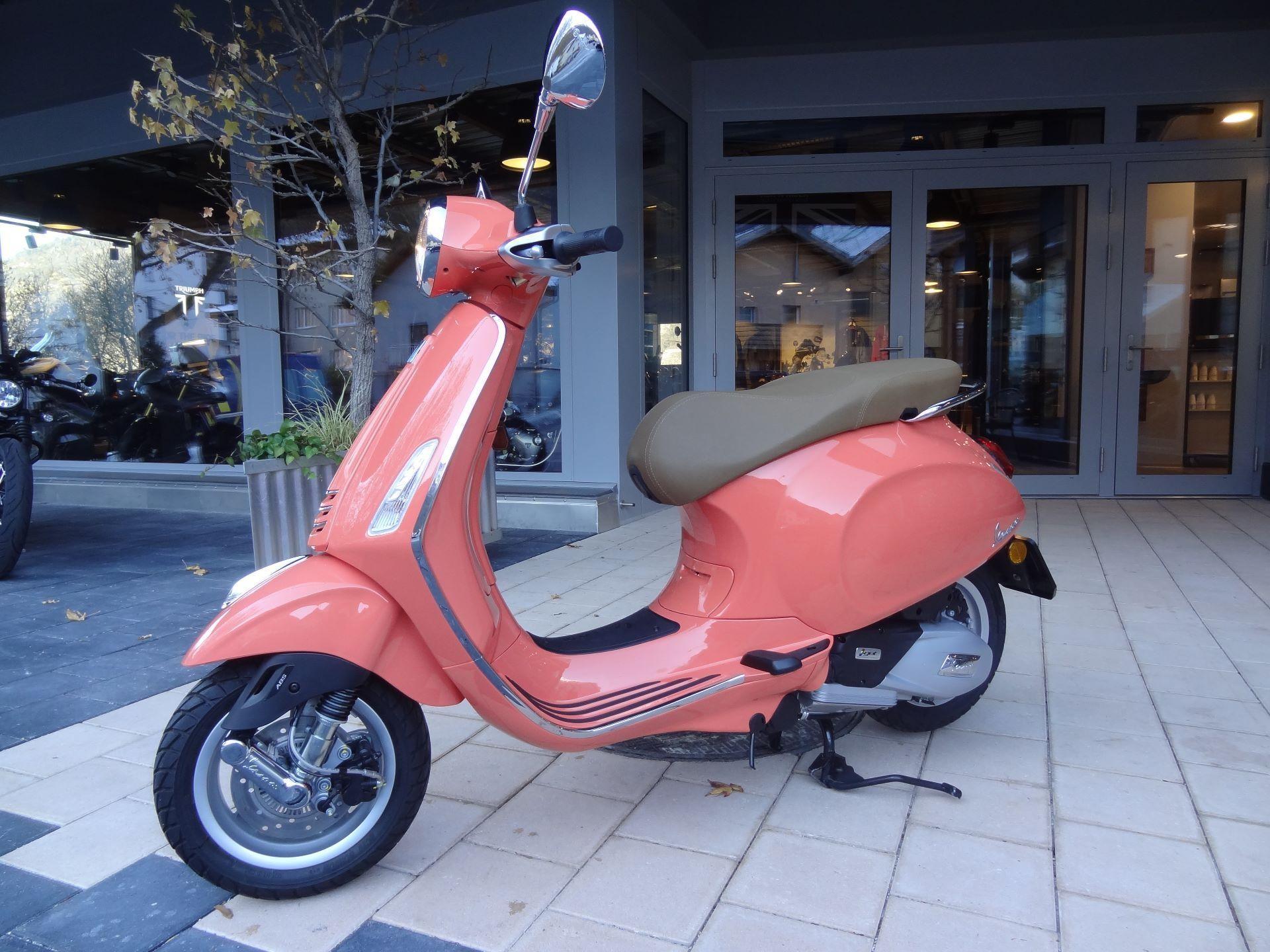 moto d monstration acheter piaggio vespa primavera 125 abs iget holzer motos ag glis. Black Bedroom Furniture Sets. Home Design Ideas