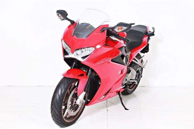 Motorrad kaufen HONDA VFR 800 F ABS Lager-Abverkauf Occasion