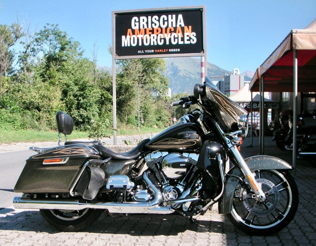 Motorrad kaufen HARLEY-DAVIDSON FLHXS 1690 Street Glide Special ABS Occasion