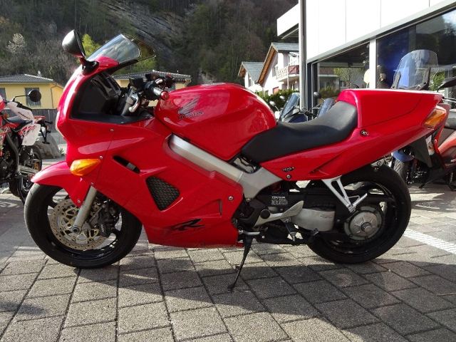 Motorrad kaufen HONDA VFR 800 FI Occasion