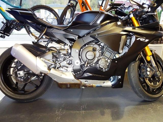 Motorrad kaufen YAMAHA YZF-R1 Vorführmodell