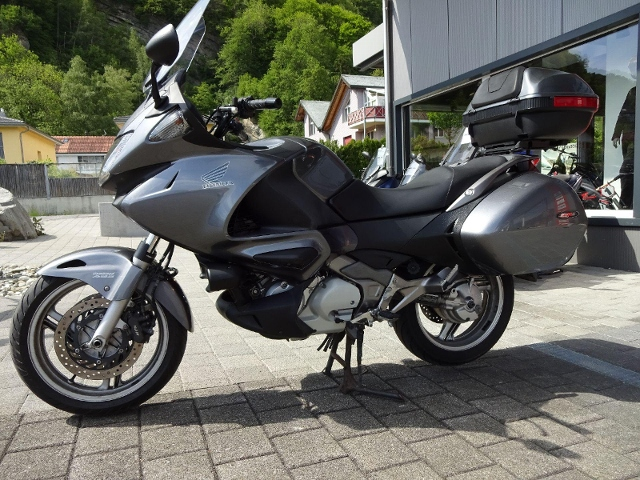 Motorrad kaufen HONDA NT 700 VA Deauville ABS Occasion