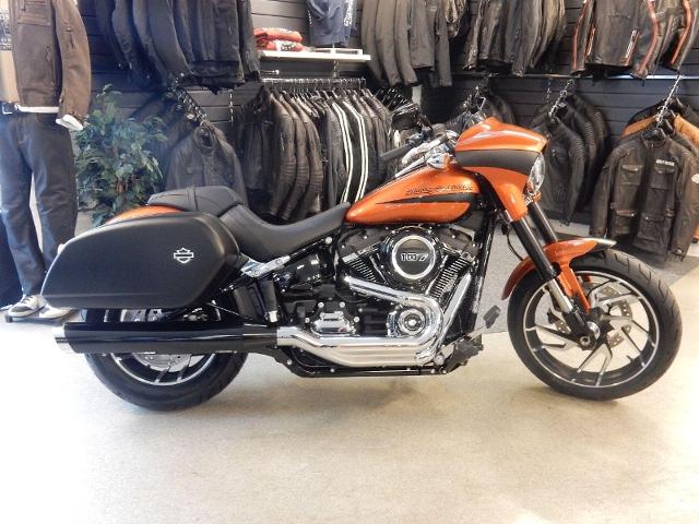 Motorrad kaufen HARLEY-DAVIDSON FLSB 1745 Softail Sport Glide 107 Neufahrzeug