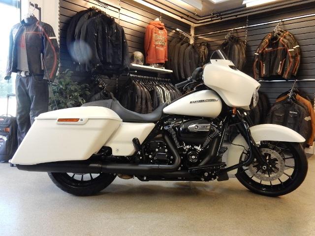 Motorrad kaufen HARLEY-DAVIDSON FLHXS 1745 Street Glide Special ABS Neufahrzeug
