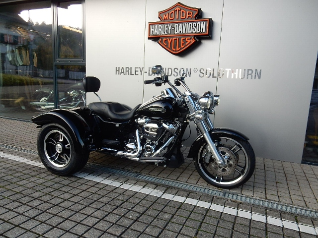 Motorrad kaufen HARLEY-DAVIDSON FLRT 1745 Freewheeler ABS Occasion