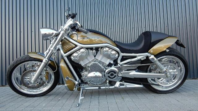 Motorrad kaufen HARLEY-DAVIDSON VRSCAW 1130 V-Rod Occasion