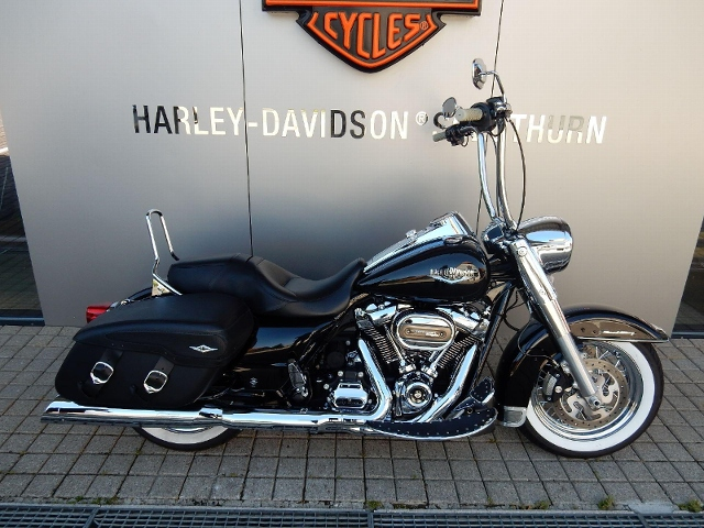 Motorrad kaufen HARLEY-DAVIDSON FLHRC 1745 Road King Classic ABS Occasion