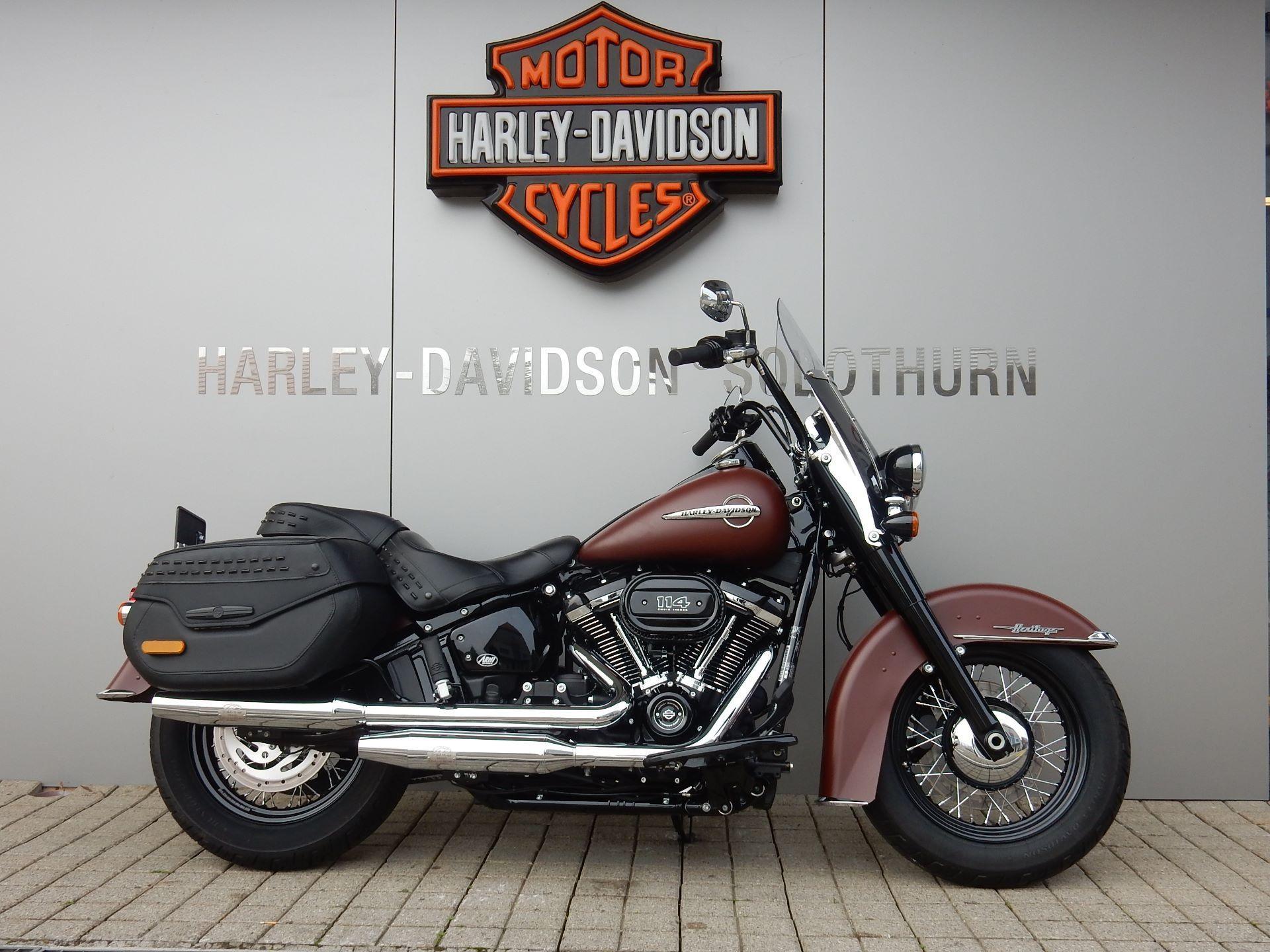 Motorrad Mieten & Roller Mieten HARLEY-DAVIDSON FLHCS 1868 Heritage Classic 114