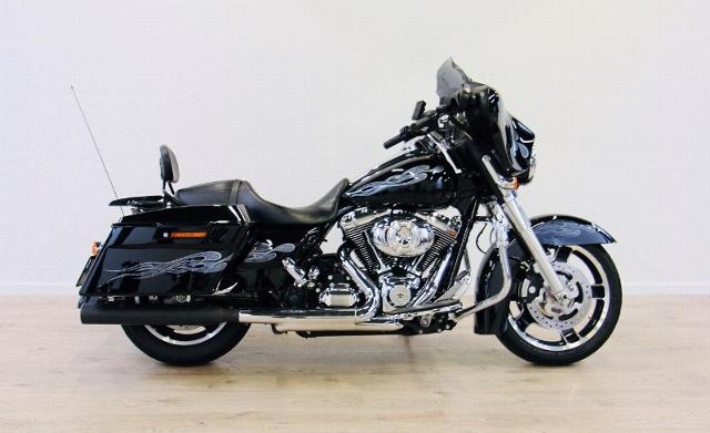 Motorrad kaufen HARLEY-DAVIDSON FLHX 1690 Street Glide ABS Ref. 3444 Occasion