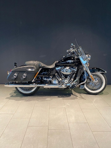 Motorrad kaufen HARLEY-DAVIDSON FLHRC 1690 Road King Classic ABS Ref. 9431 Occasion