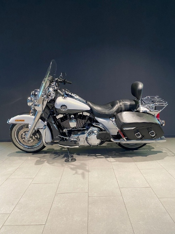 Motorrad kaufen HARLEY-DAVIDSON FLHRC 1584 Road King Classic Ref. 0405 Occasion