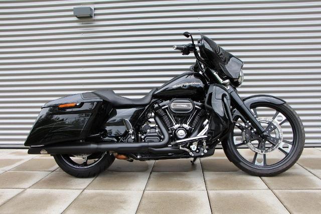 Motorrad kaufen HARLEY-DAVIDSON FLHXSE CVO 1868 Street Glide ABS Ref: 6033 Occasion