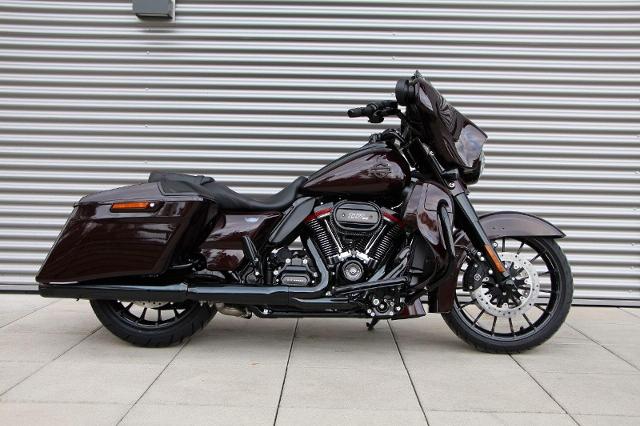 Acheter une moto HARLEY-DAVIDSON FLHXSE 1923 CVO Street Glide 117 Ref . 4964 neuve