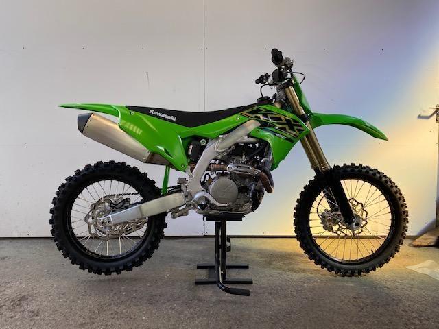 Acheter une moto KAWASAKI KX 450 Modell  2020 !! neuve