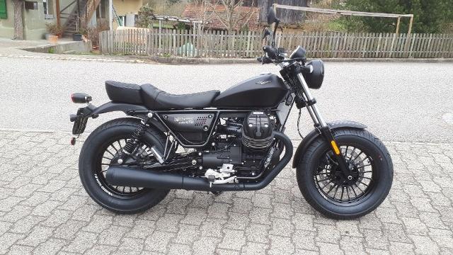 Motorrad kaufen MOTO GUZZI V9 Bobber Neufahrzeug