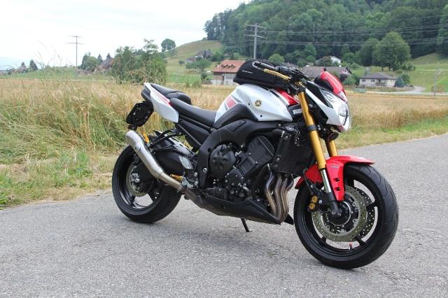 Motorrad kaufen YAMAHA FZ 8 NA ABS 50TH ANNIVERSARYOccasion