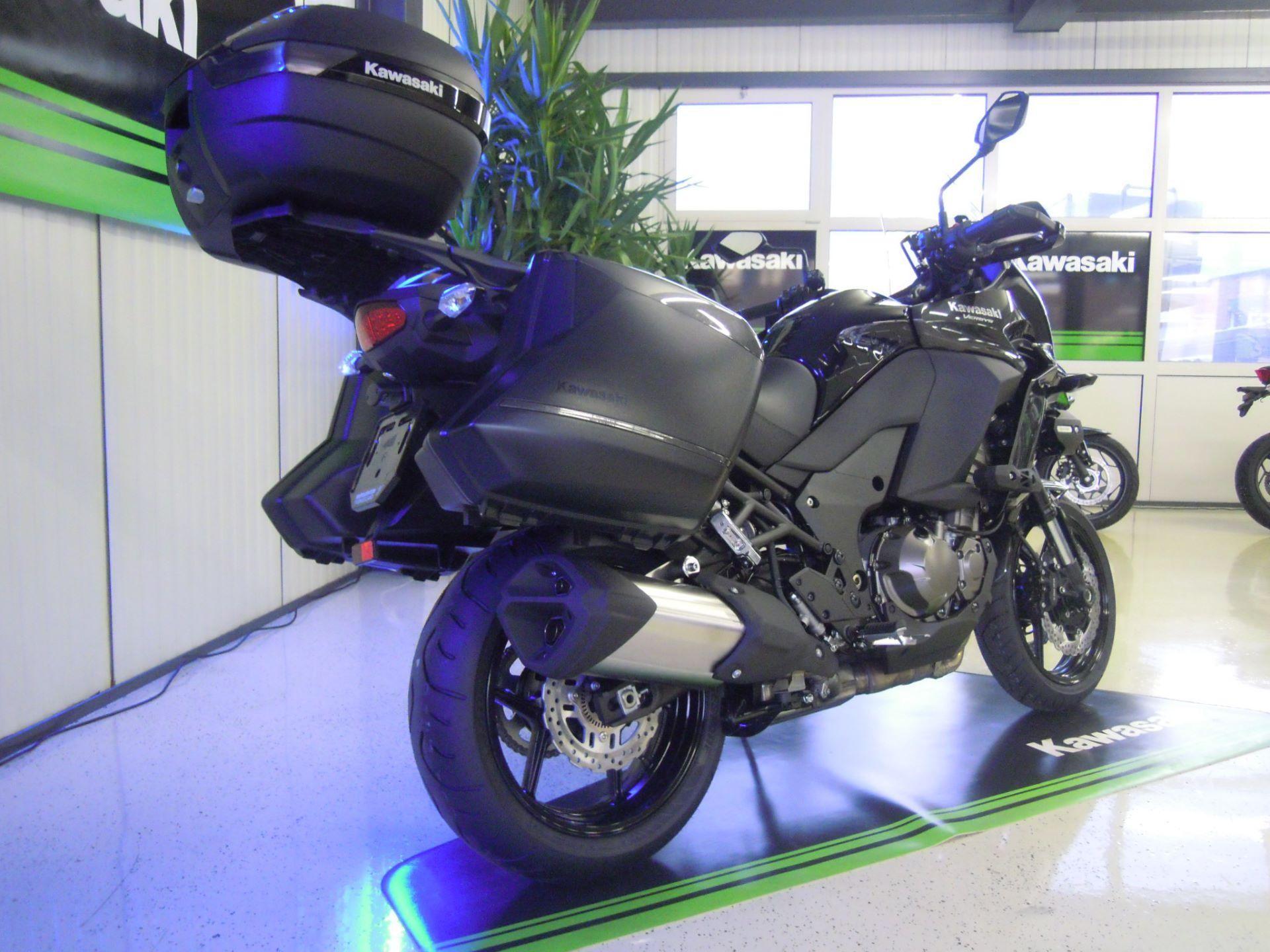 moto neuve acheter kawasaki versys 1000 abs grand tourer. Black Bedroom Furniture Sets. Home Design Ideas