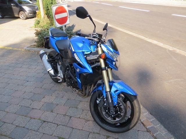 Motorrad kaufen SUZUKI GSR 750 A Occasion