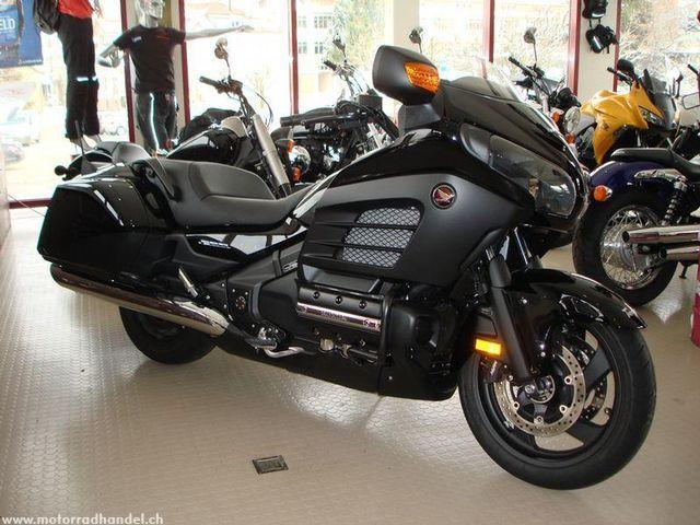 Motorrad kaufen HONDA GL 1800 F6B Gold Wing ABS Vorführmodell