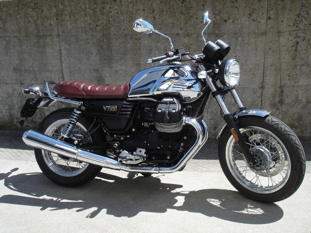 Motorrad kaufen MOTO GUZZI V7 III Anniversario Neufahrzeug