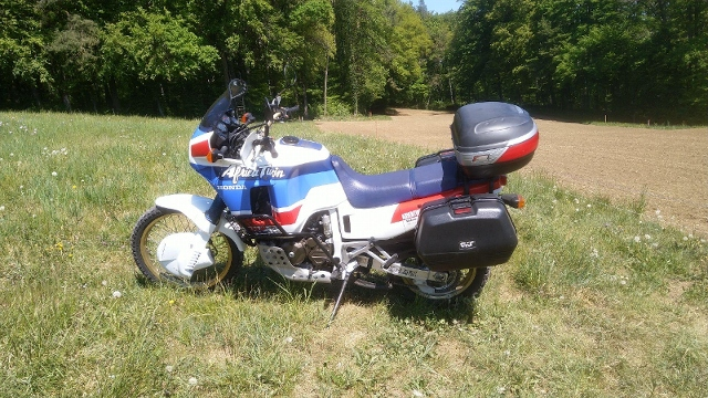 Motorrad kaufen HONDA XRV 650 Africa Twin Youngtimer Occasion