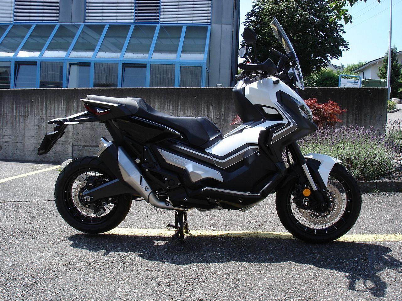 Buy motorbike Pre-owned HONDA X-ADV 750 Moto Zehnder AG Port