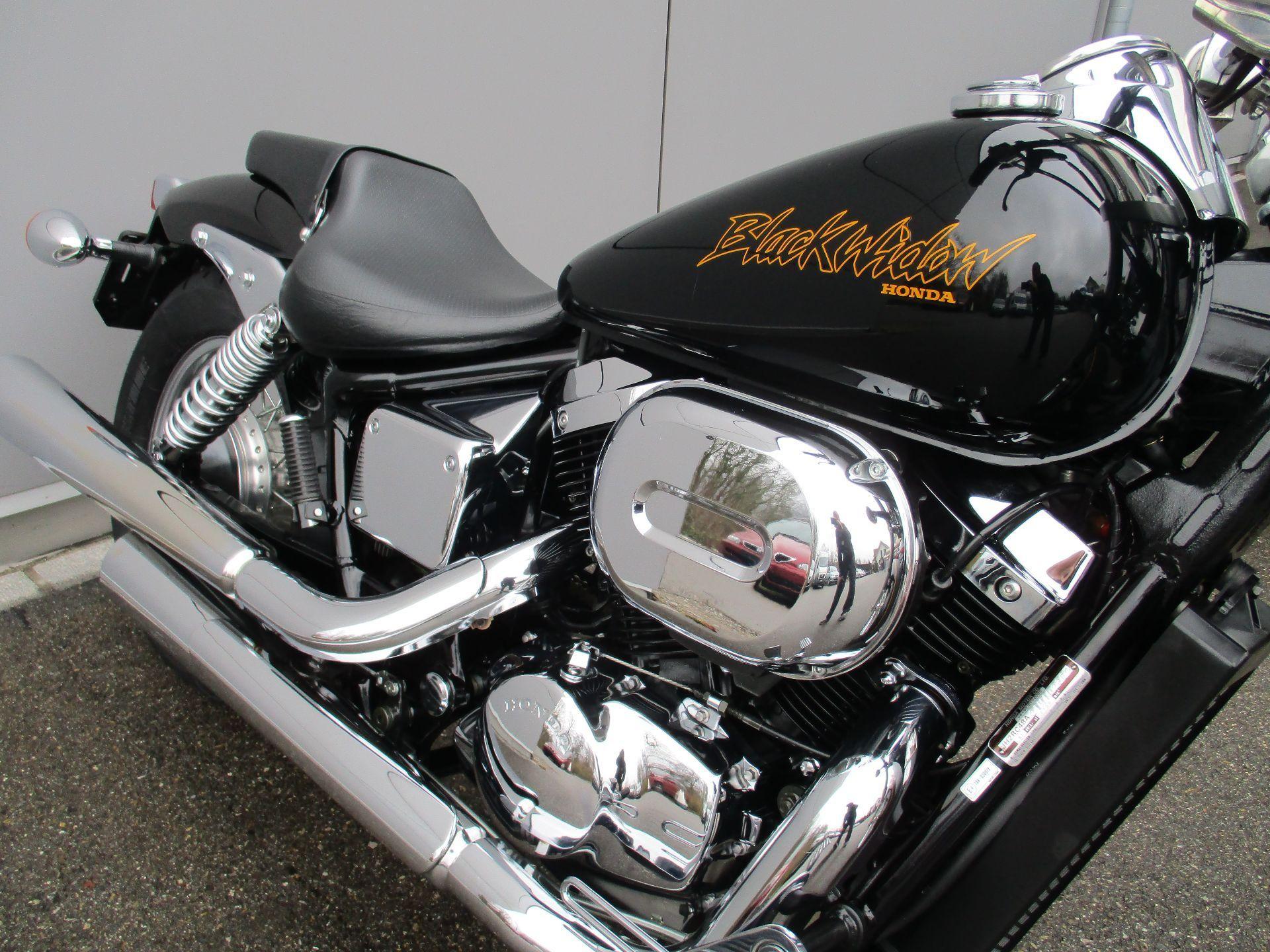 moto occasioni acquistare honda vt 750 dc black widow schlatter motorr der ag winterthur. Black Bedroom Furniture Sets. Home Design Ideas