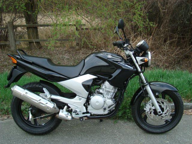 moto occasions acheter yamaha ybr 250 b renfaller moto. Black Bedroom Furniture Sets. Home Design Ideas