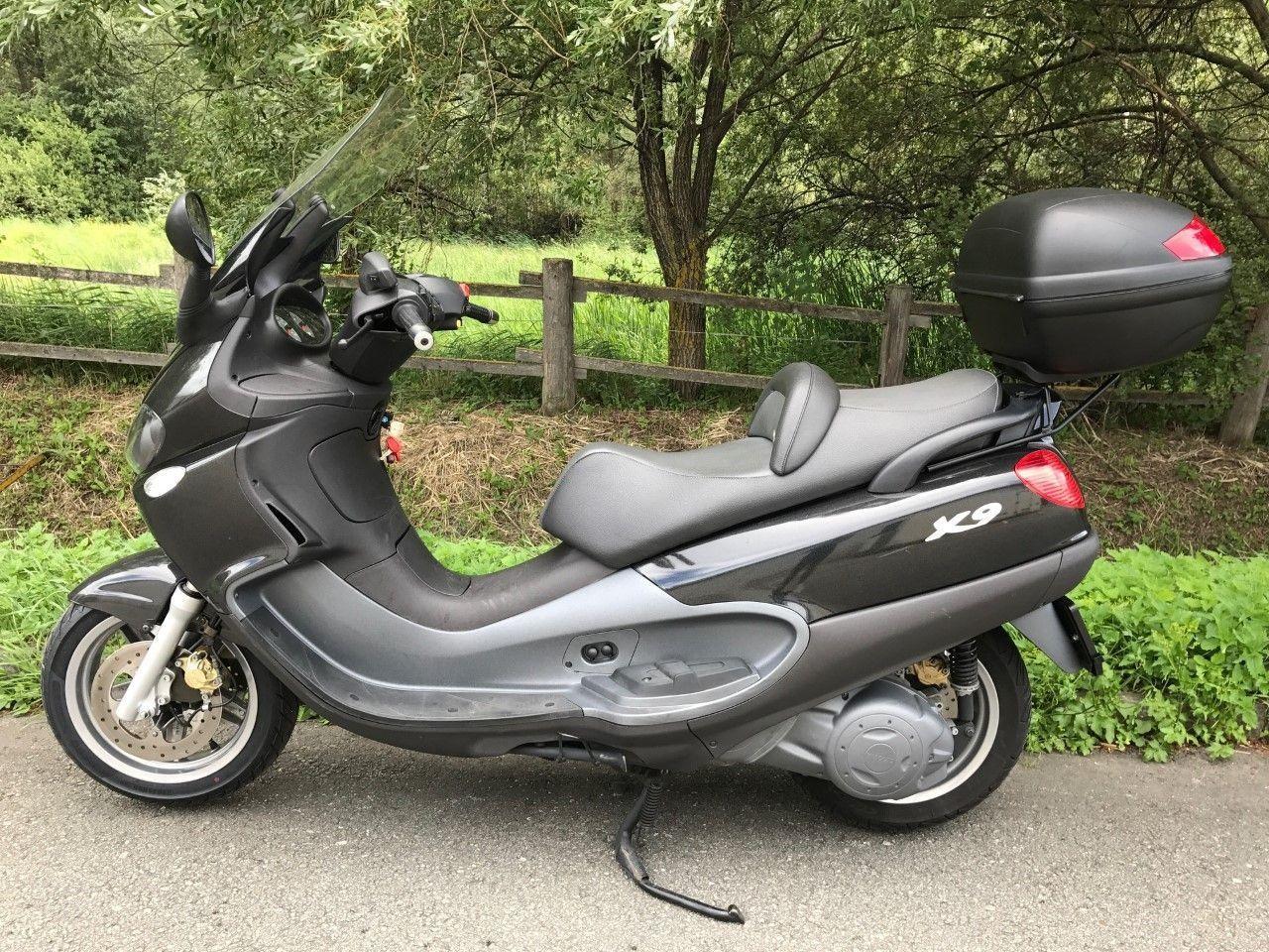 motorrad occasion kaufen piaggio x9 500 b renfaller moto shop brig gamsen. Black Bedroom Furniture Sets. Home Design Ideas