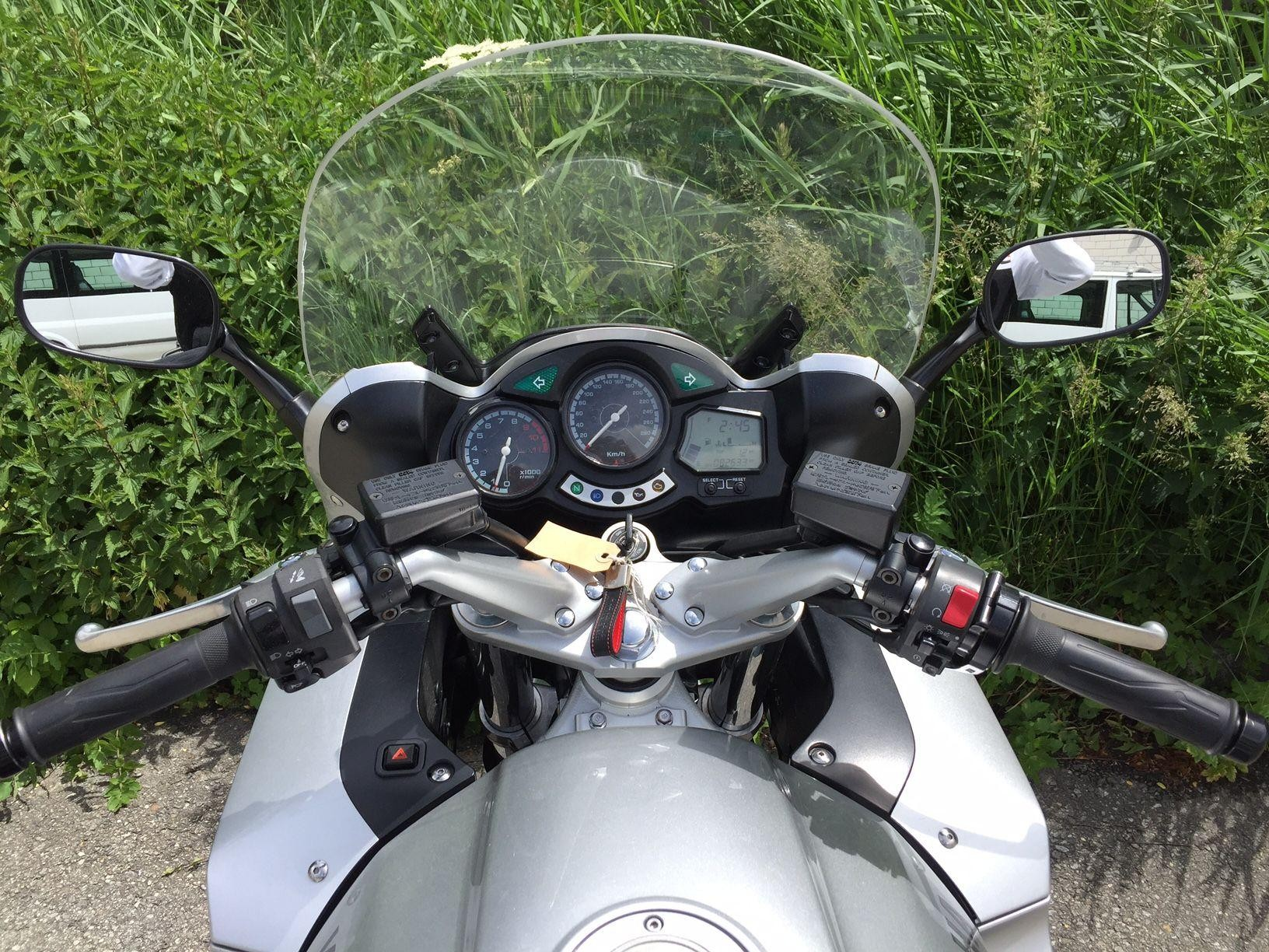 motorrad occasion kaufen yamaha fjr 1300 b renfaller moto. Black Bedroom Furniture Sets. Home Design Ideas