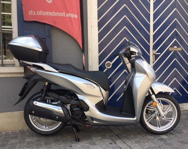 Motorrad kaufen HONDA SH 300 i A ABS Winter Aktion inkl. Top Box Neufahrzeug