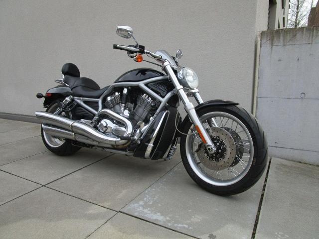 Motorrad kaufen HARLEY-DAVIDSON VRSCAW 1250 V-Rod Occasion