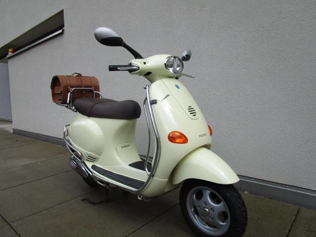 Motorrad kaufen PIAGGIO Vespa 125 ET4 Occasion