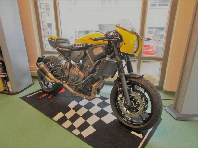Motorrad kaufen YAMAHA XSR 700 ABS 35kW Occasion