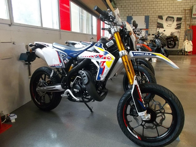 Acheter une moto RIEJU MRT 50 Pro neuve